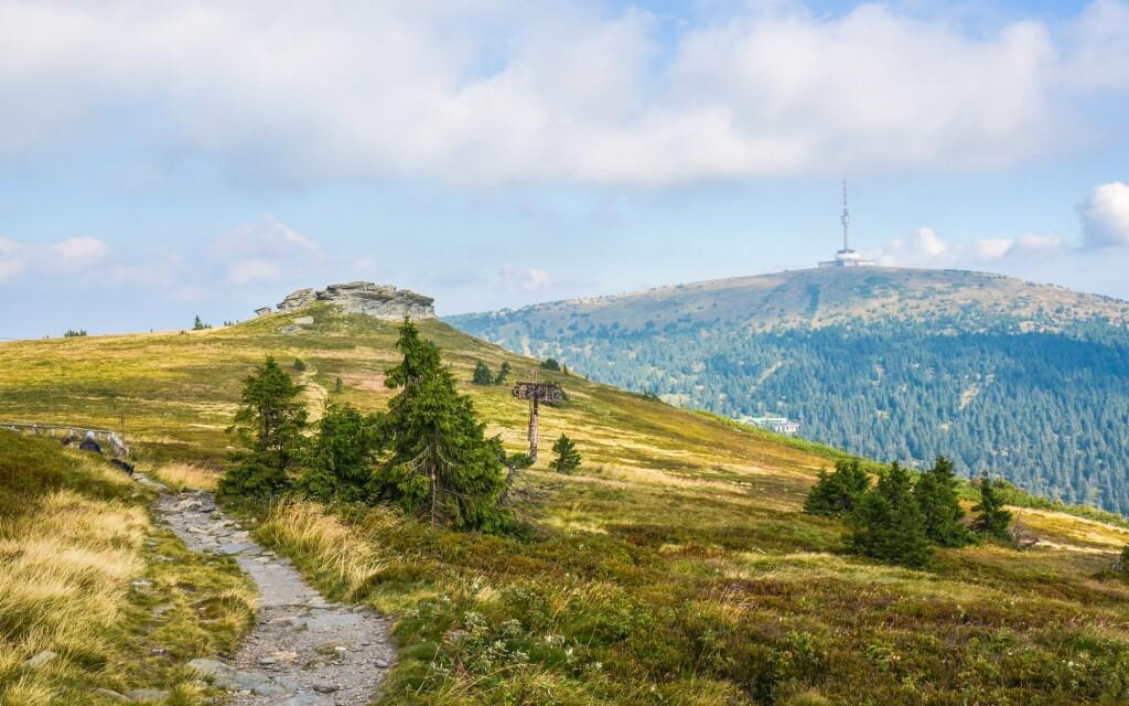 Najvyššia hora Jeseníkov Praděd ako turistický cieľ