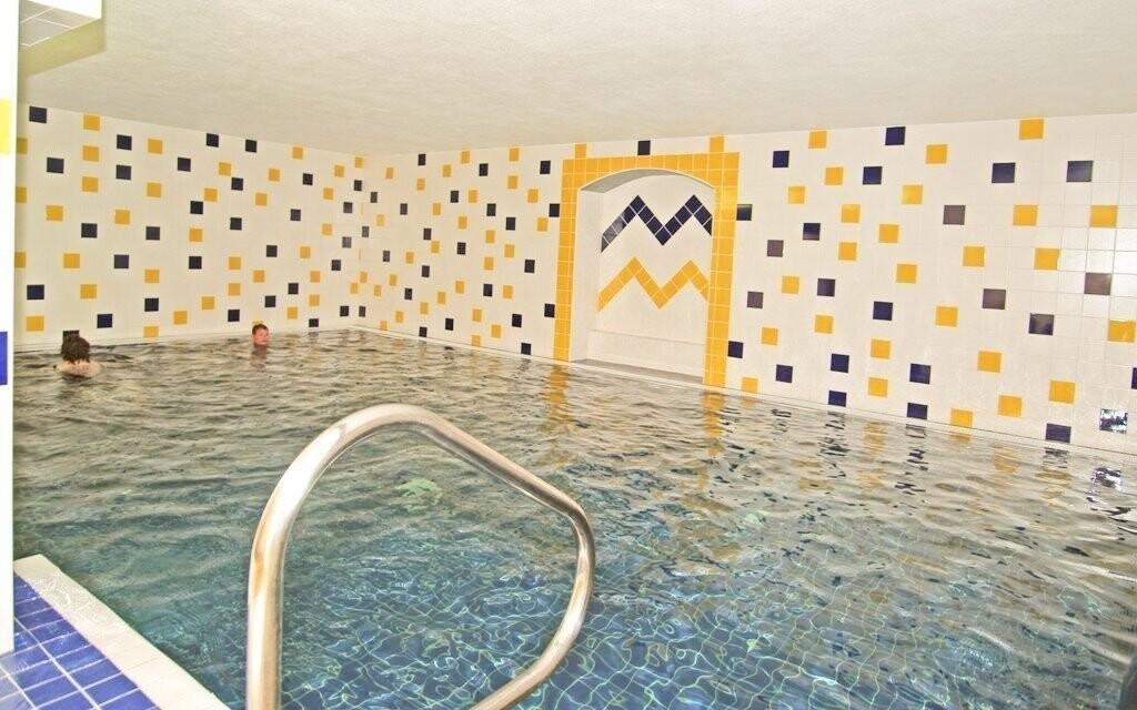Volný vstup do bazénu hotelu Vám zpříjemní den