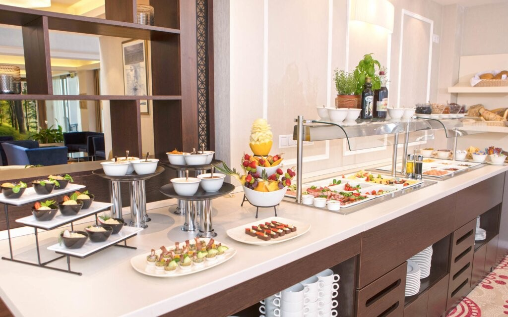 Polopenze, restaurace, Outlet Hotel Polgar ****