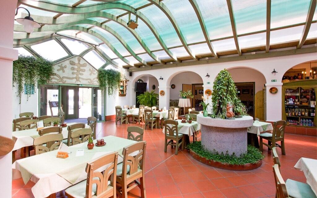 Reštaurácia v Hoteli Tornacos ***, Maďarsko
