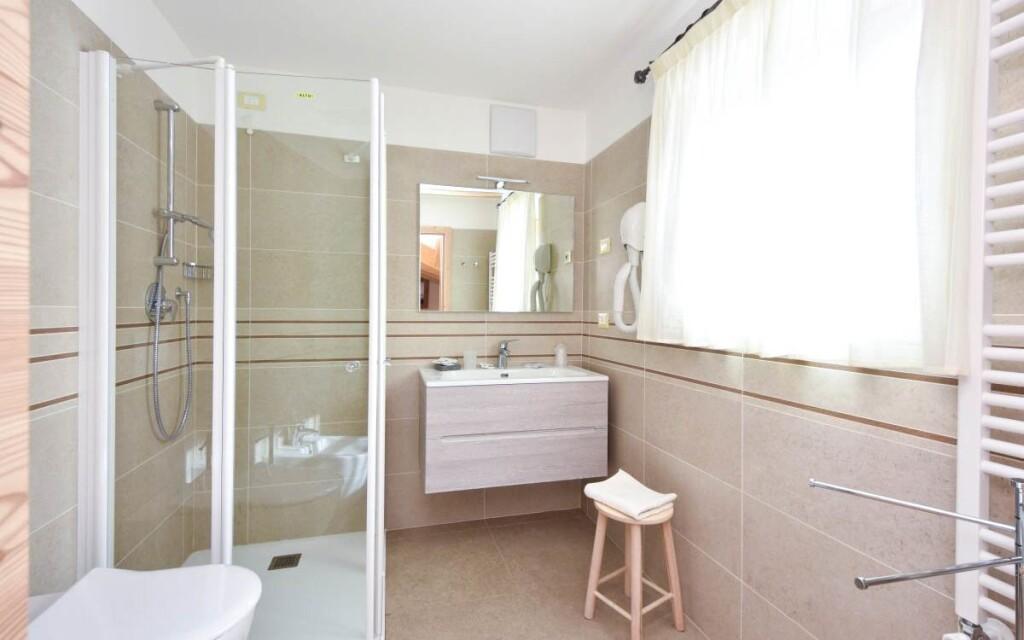 Ku každej izbe patrí tiež pekná kúpeľňa