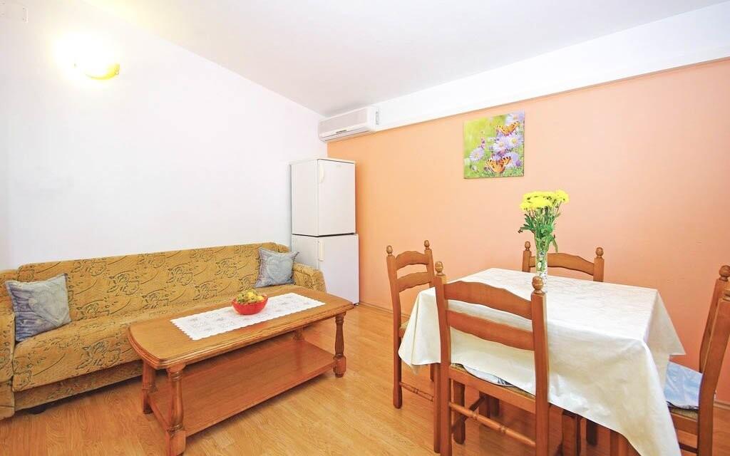 Apartmány majú obývací priestor s vybavenou kuchyňou
