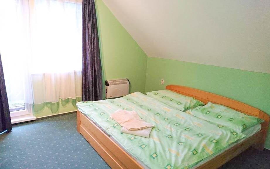 K dispozícii sú izby aj apartmány