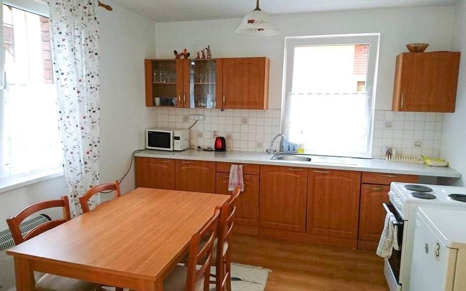 Vybavená kuchyňa v apartmáne, Penzión pod Vlkolíncom