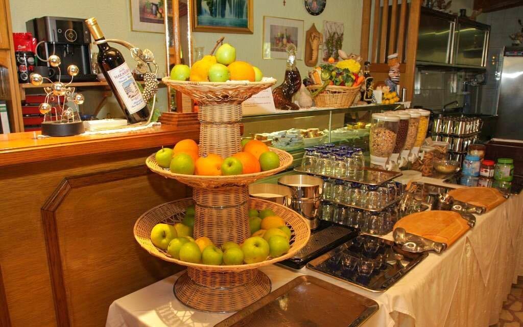 Raňajky formou bufetu v reštaurácii, Hotel Makarska ***
