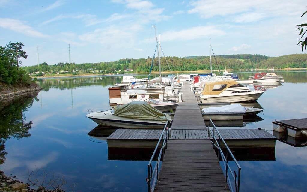 Půjčte si člun a vyrazte na Orlickou přehradu