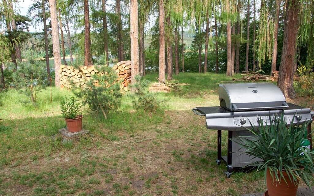 Je možné využít letní altán s grilem