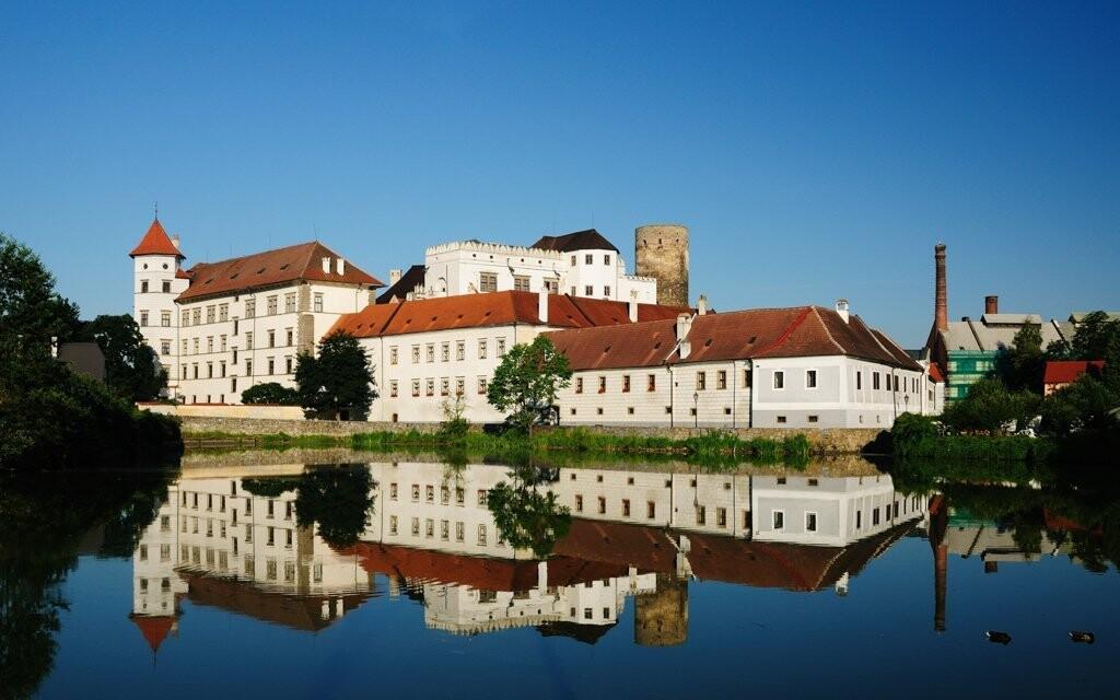 Ubytovanie priamo pod hradom a zámok Jindřichův Hradec