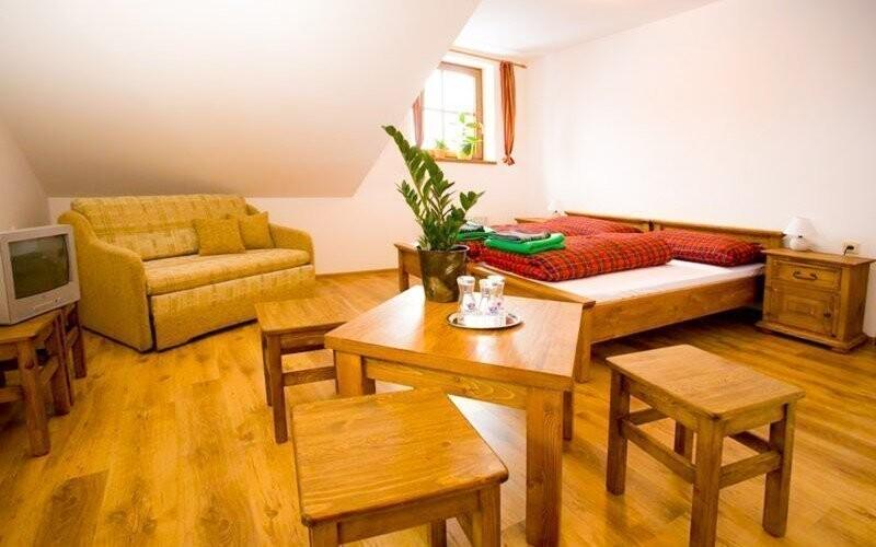Pokoje v chatě Koliesko jsou zařízeny k pohodlí všech hostů