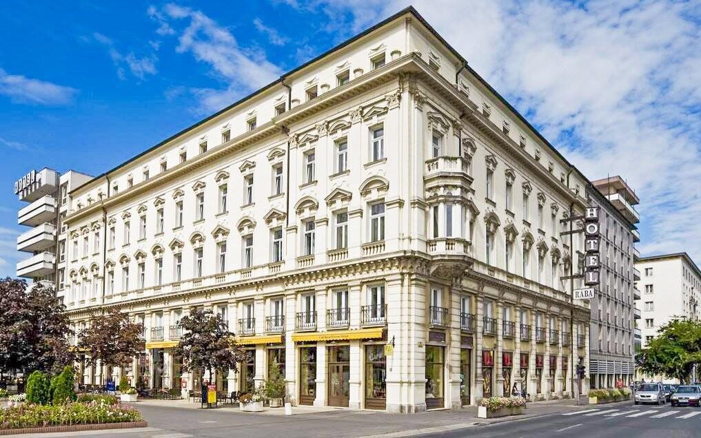 Luxusní hotel Rába najdete v centru Györu
