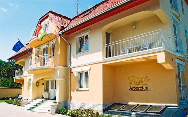 Relax v Sarváru se vstupem do lázní Hotel Arborétum slevoking zlavoking