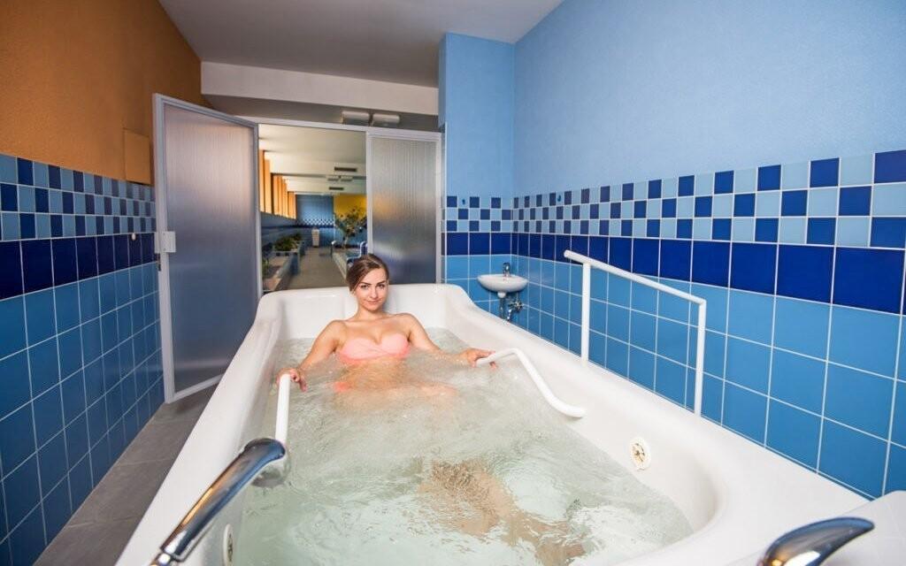 Využiť môžete aj saunu alebo masážne vane