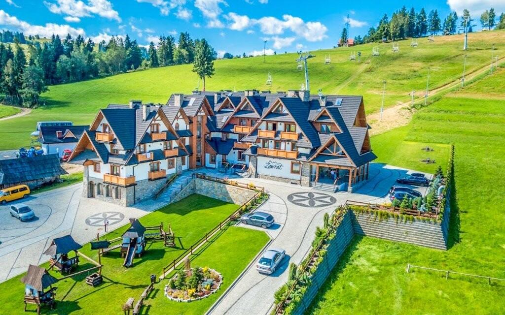 Hotel leží uprostřed překrásné přírody