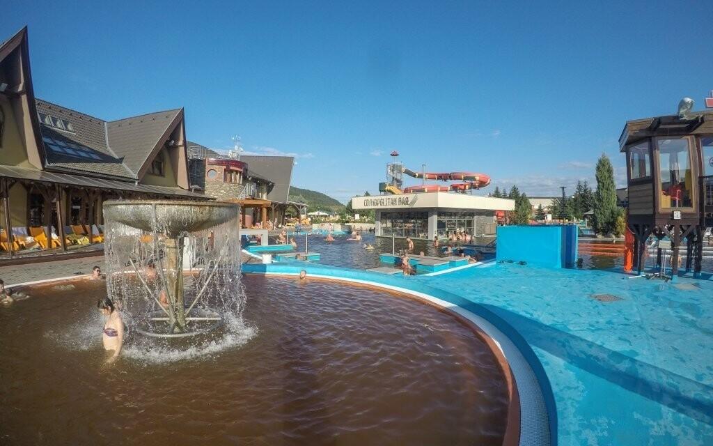 Celoročně otevřené jsou i venkovní termální bazény