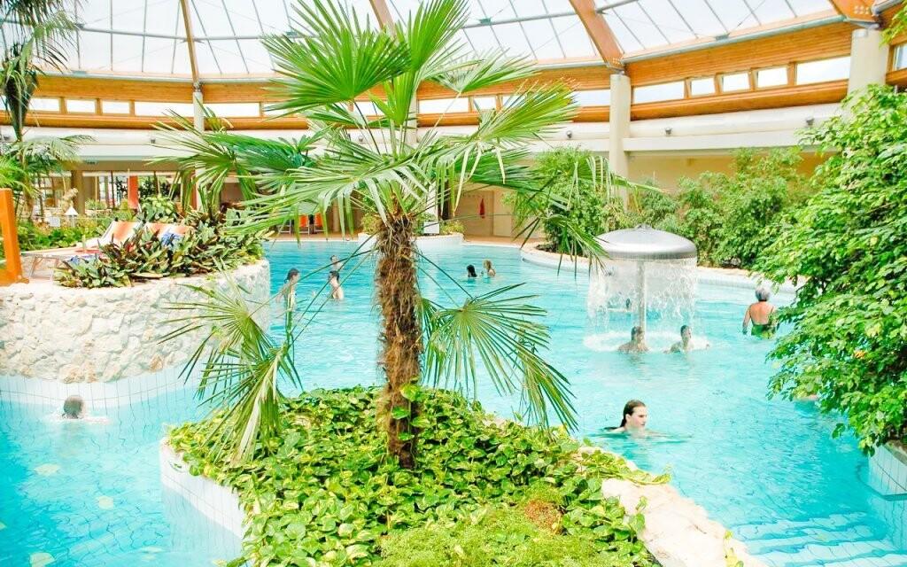 Thermalpark St. Gotthard Spa je jen 2 km od hotelu