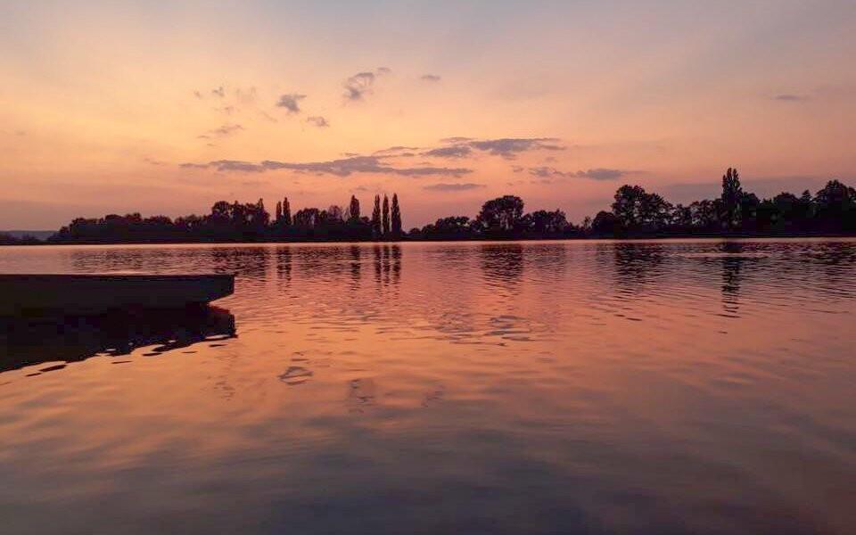 Bydlet budete u krásného Velkého rybníka