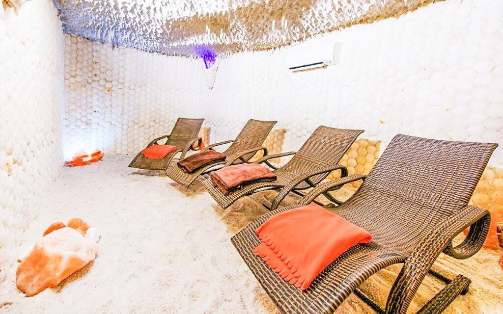 Užijte si také relaxační místnost a solnou jeskyni
