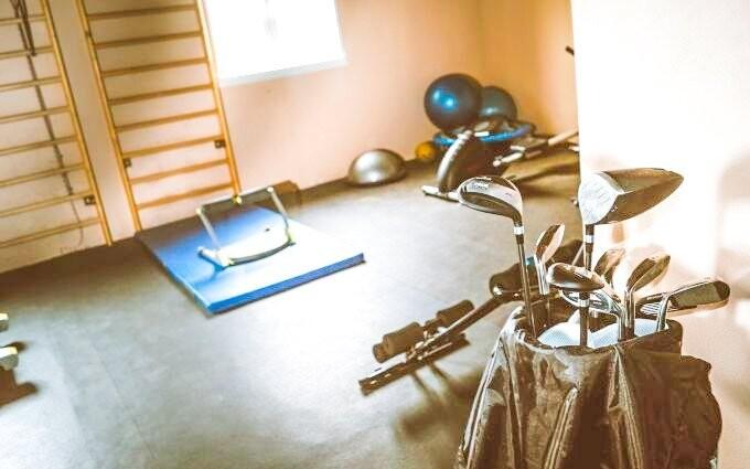K dispozici máte i fitness centrum s golfovým trenažérem