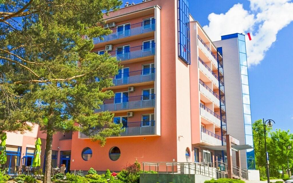 Vyberte si ze dvou budov Hotelu Kudowa ****