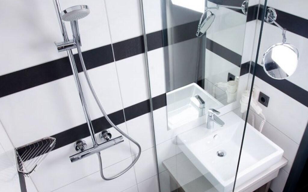 Súčasťou izieb je parádna kúpeľňa