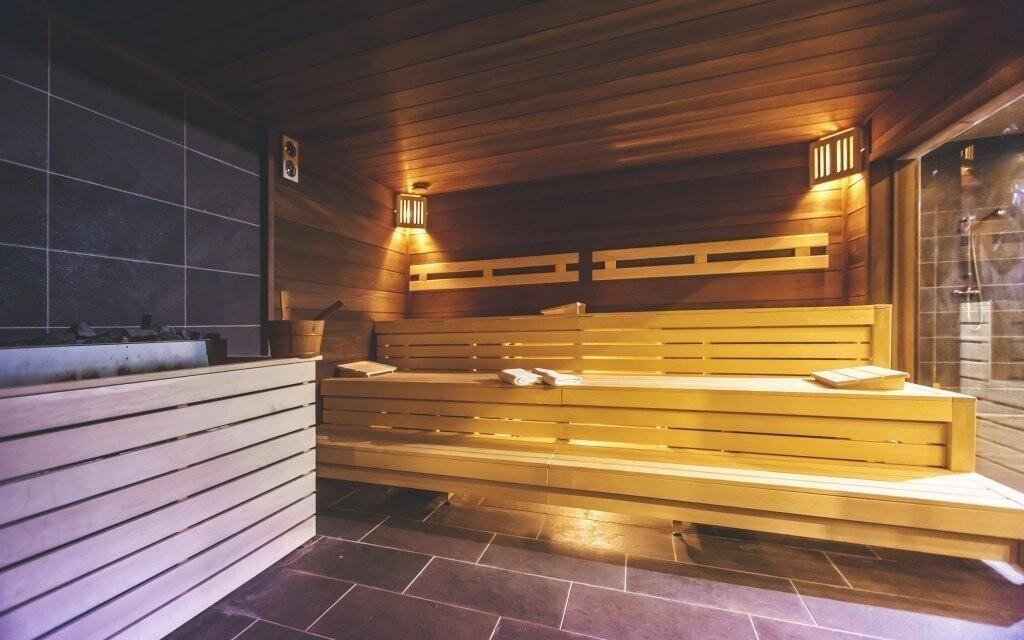 Součástí wellness je rozlehlý saunový svět