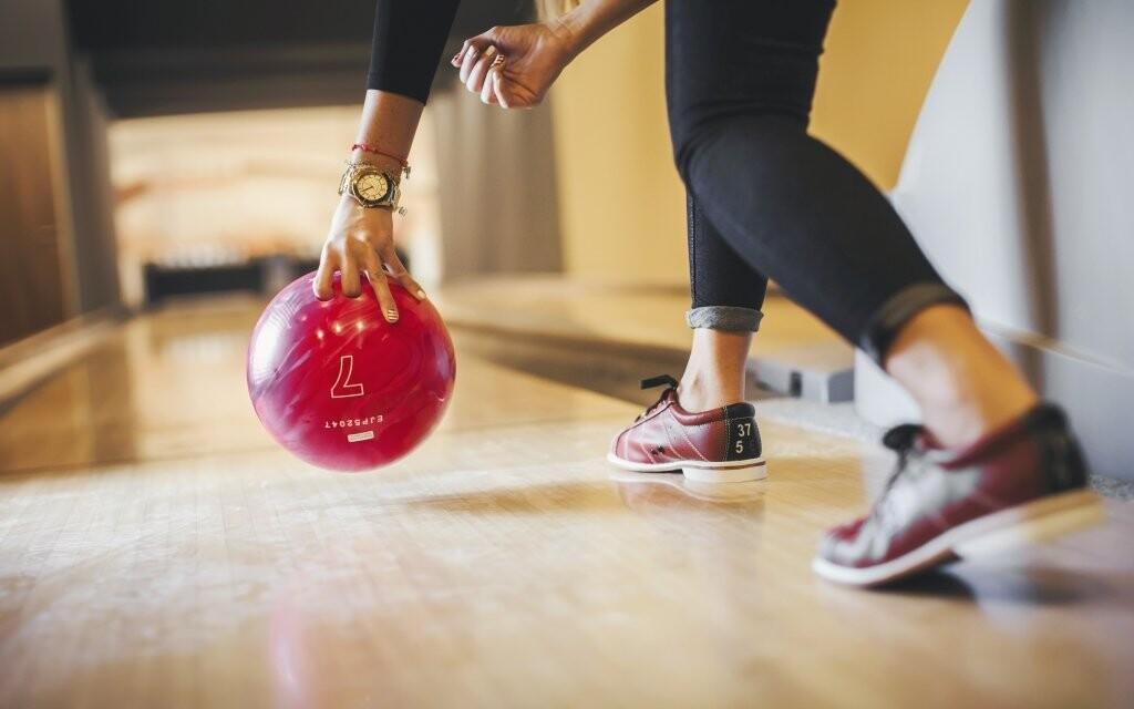 K dalším atrakcím na hotelu patří bowlingové dráhy