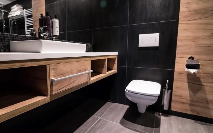 Ke každému pokoji patří moderní koupelna