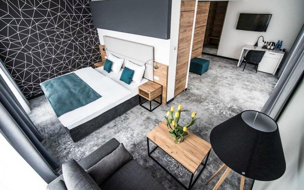 Pokoje mají klimatizaci i TV s plochou obrazovkou