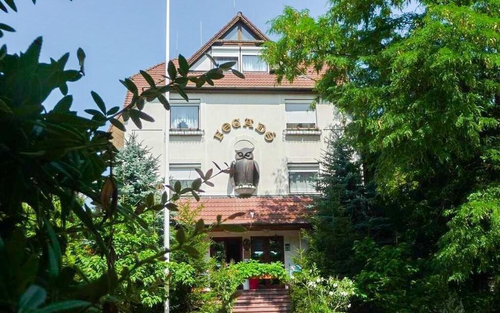 Ubytováni budete v hotelu Bagoly Fogadó