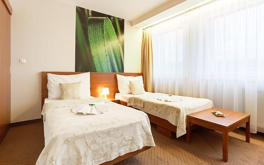 Ubytujte se v komfortně zařízených pokojích