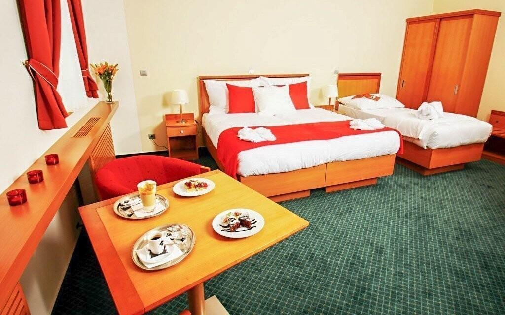Prostorné, barevně sladěné pokoje