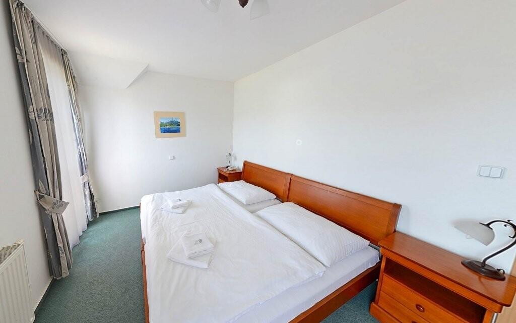 Pokoje jsou vybaveny pro maximální pohodlí hostů