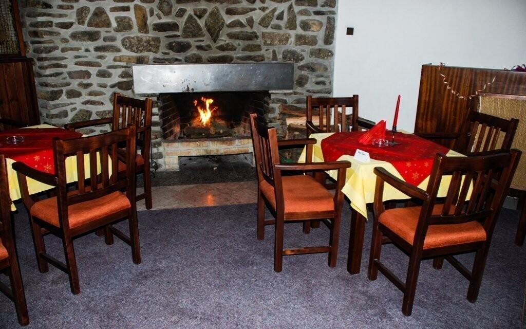 V hotelové restauraci si pochutnáte na místních dobrotách
