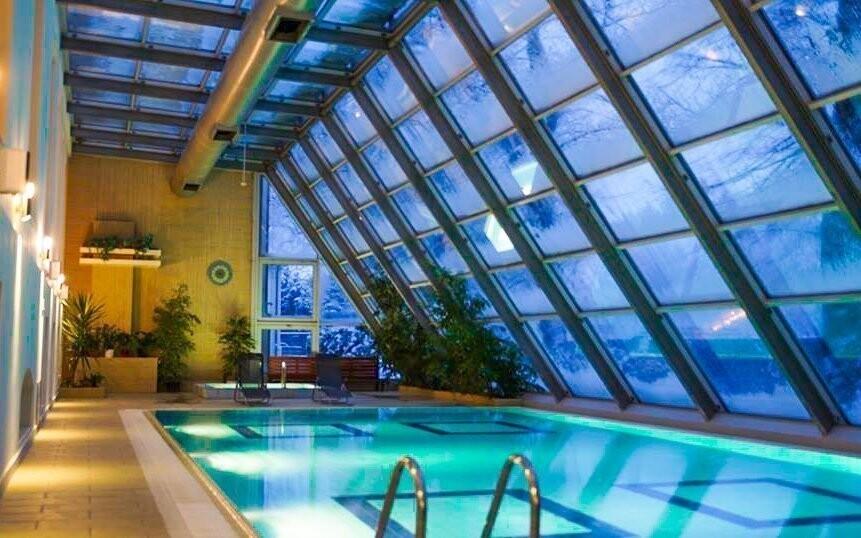 Z bazénu máte výhled přímo do zahrady