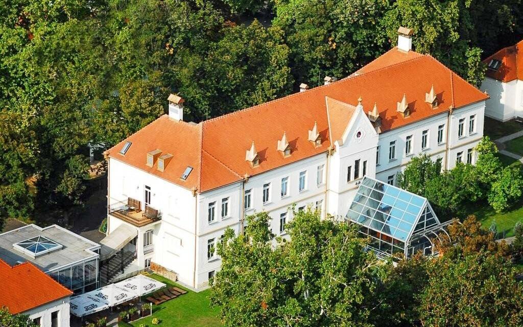 Luxusní zámecký hotel Pelikán ****