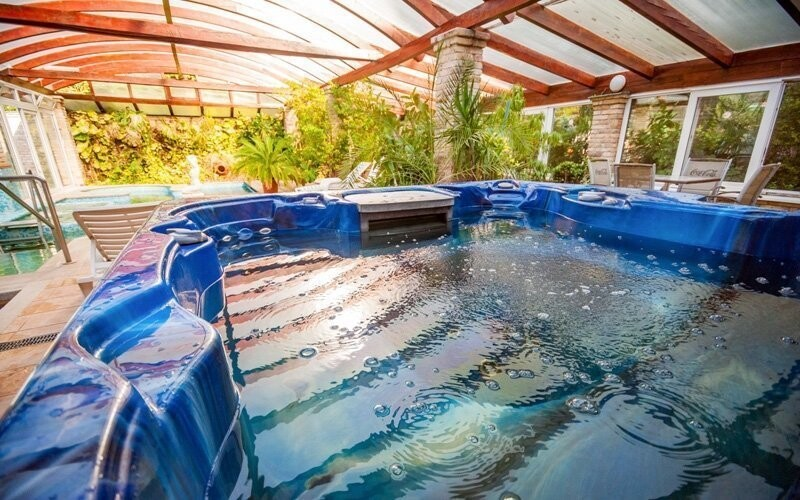 Odpočiňte si také ve vířivce nebo sauně