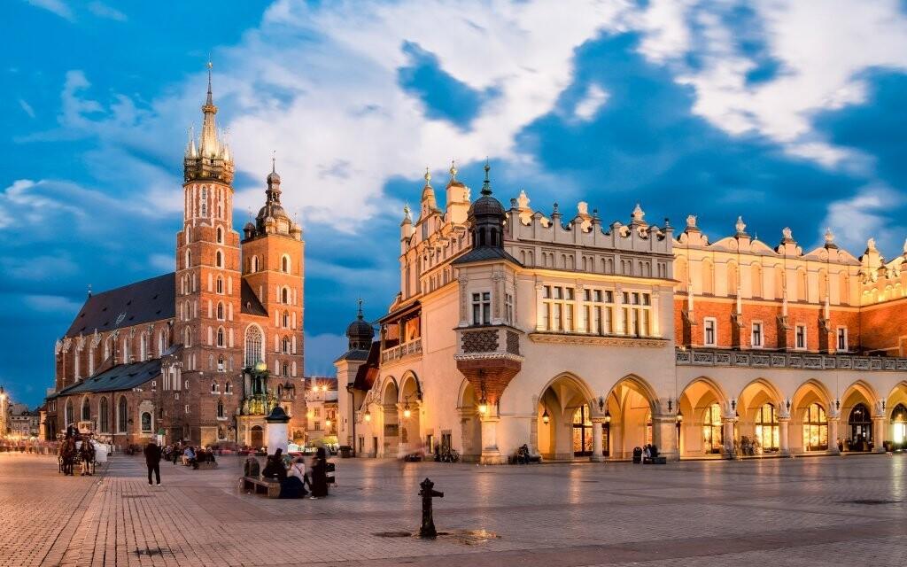 Za návštevu stojí aj kráľovský hrad Wawel v Krakowe