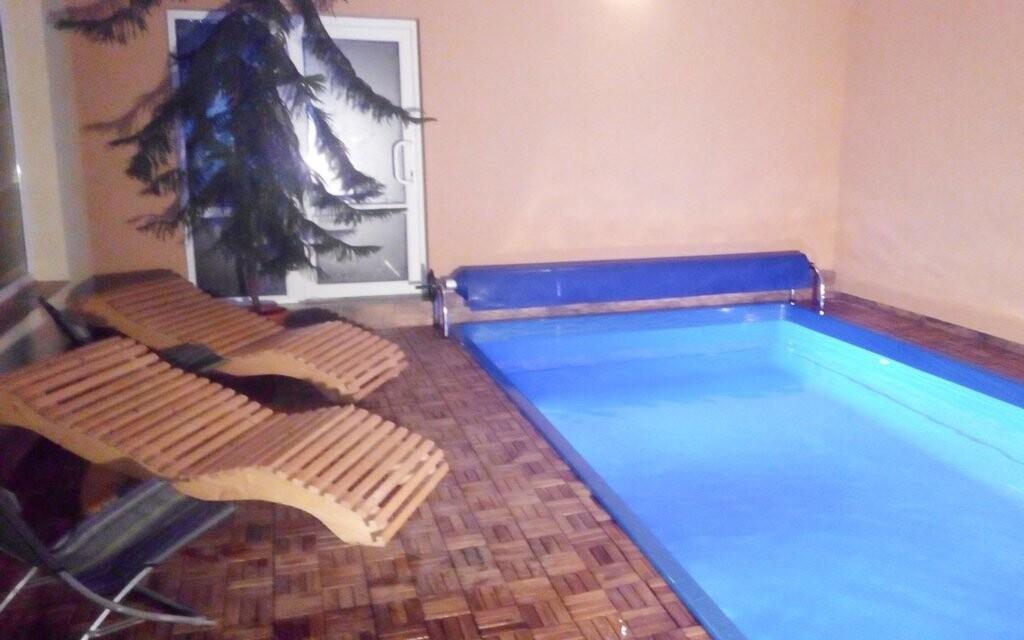 Užijete si také koupání v bazénu