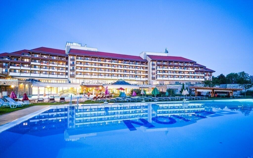 Ubytujte se v luxusním Hunguest Hotelu Pelion ****