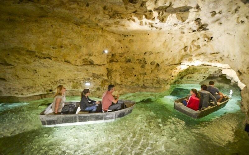 Tapolca je známá svým jeskynním systémem