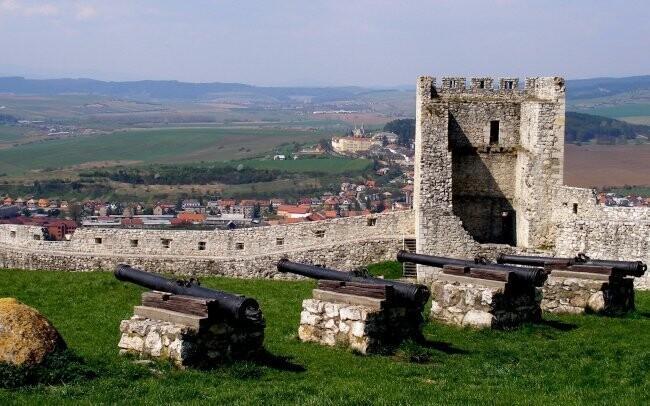 Prozkoumejte blízký Spišský hrad, památku UNESCO