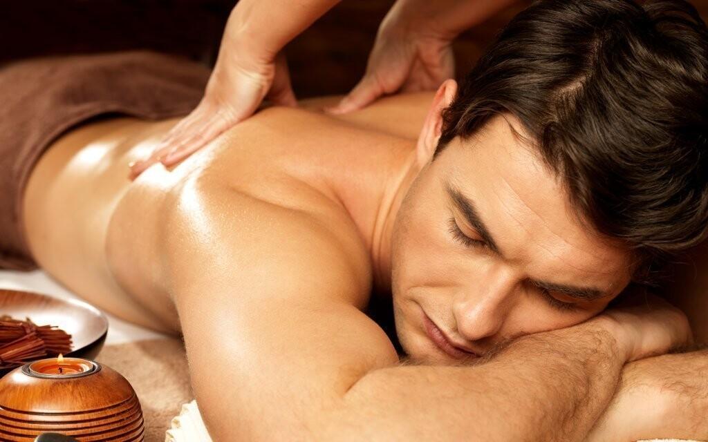 Počas pobytu vás čaká aj aromatická masáž