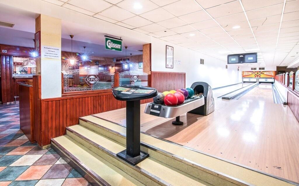 V U-Pubu si můžete zahrát bowling nebo billiard