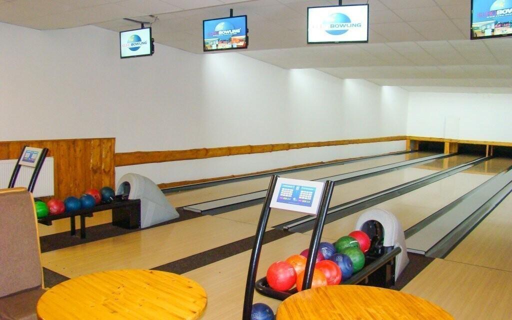 Pobavíte se při bowlingu