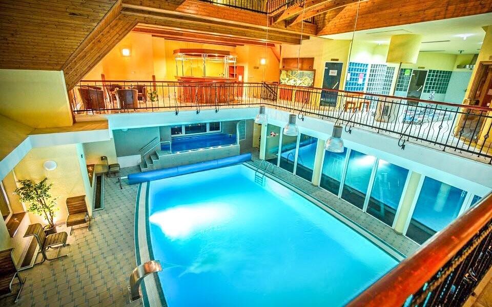 Využiť môžete aj vnútorný bazén
