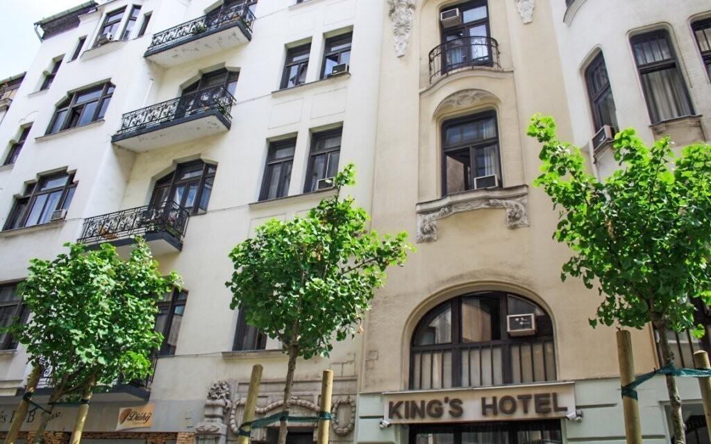 Hotel stojí v centru Budapešti