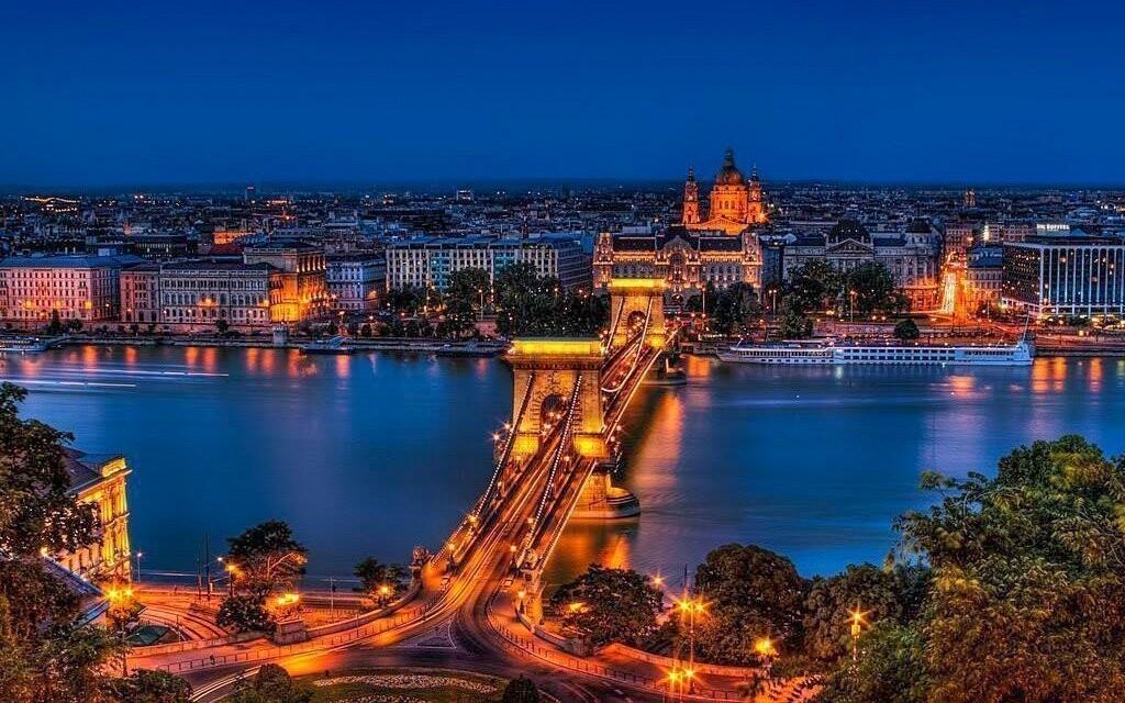 Maďarská metropole nikdy nespí