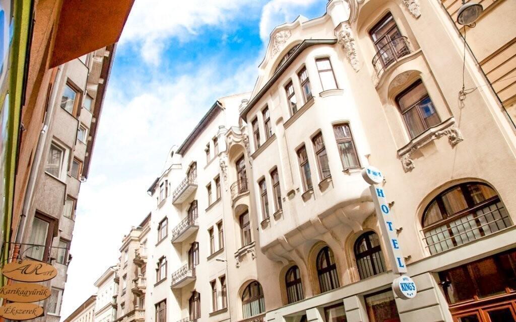 Ubytujte se v King's Hotelu *** v budově z 19. století