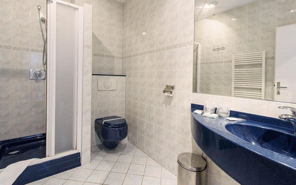 Všechny pokoje mají vlastní koupelnu