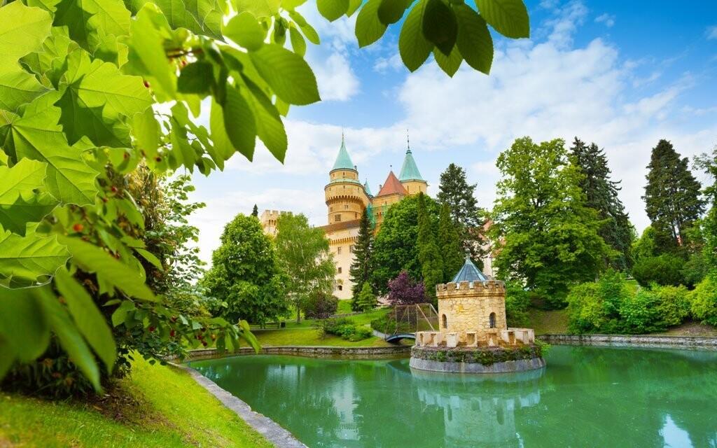 Vyrazte do lázeňského města Bojnice a obdivujte jeho krásy